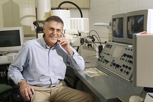 Distinguished Professor Dan Shechtman in his lab at the Technion in Haifa